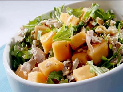 ensalada frutas con pollo y otros ingredientes