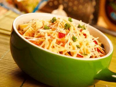 Pasta con parmesano y verduras